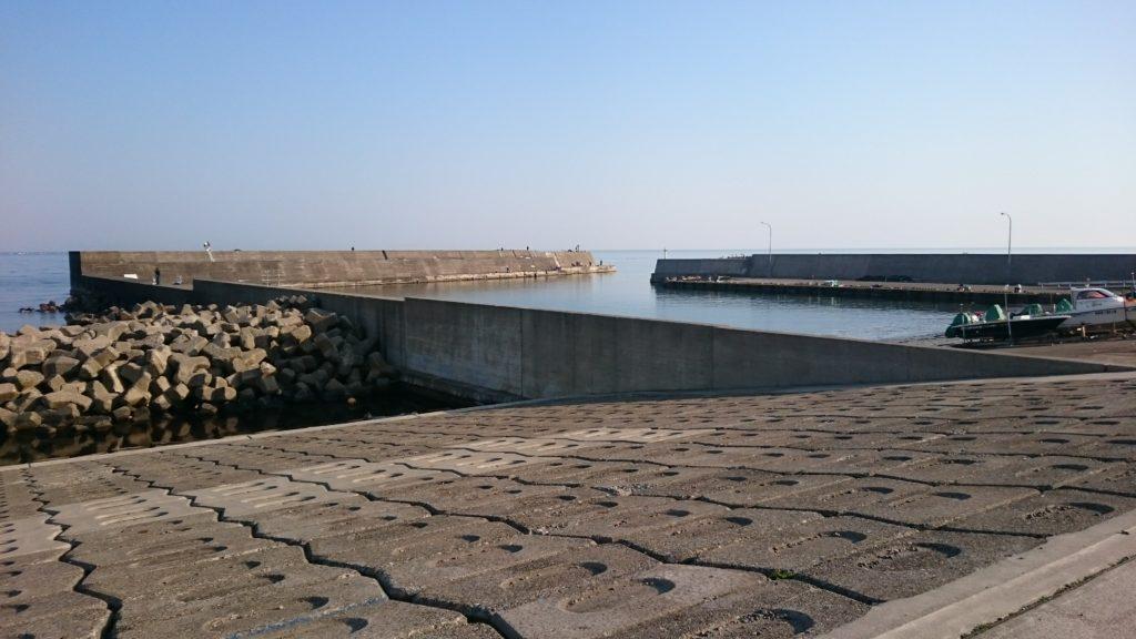 大潟漁港 東屋付近から撮影